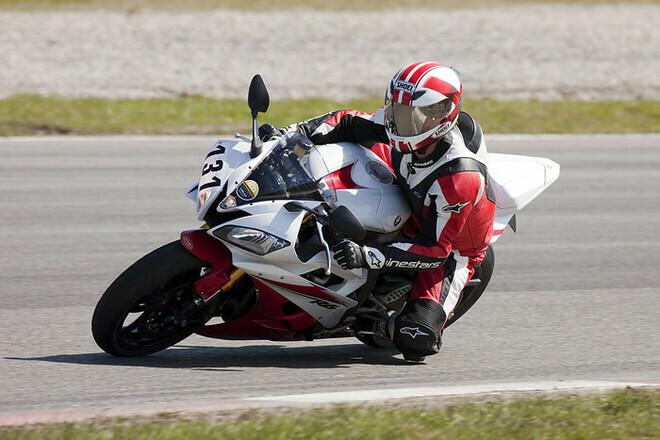 Motor Circuitrijden Lelystad op 01-04-2012