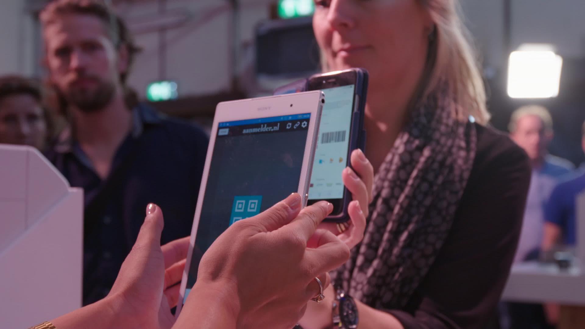aanwezigheidsregistratie met tablet